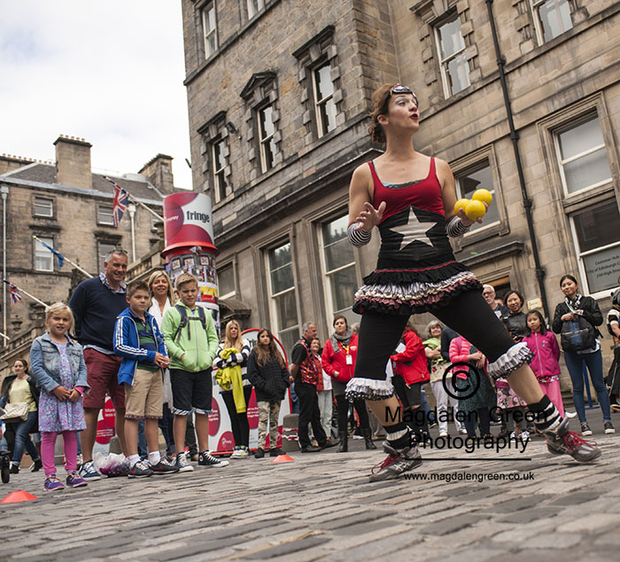 Cate  (Great) Flaherty Acrobat & Juggler - Edinburgh Fringe Fes